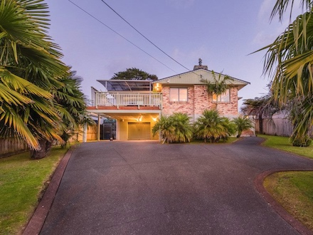 1/47 Sheridan Drive-New Lynn-Listed with Martin Ferretti Ray White