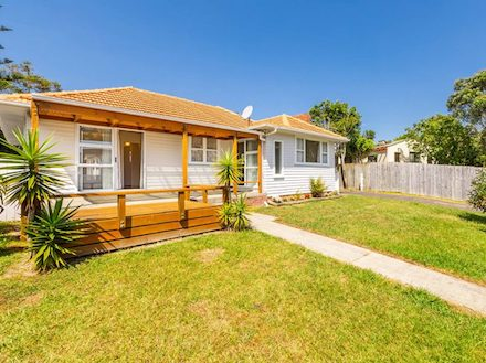 76 Commodore Drive Lynfield - Listed by Martin Ferretti Ray White